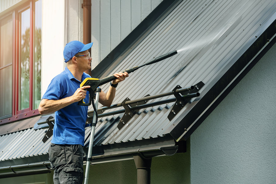 cleanest-gutters-in-wilmington-roof-cleaning-2_orig